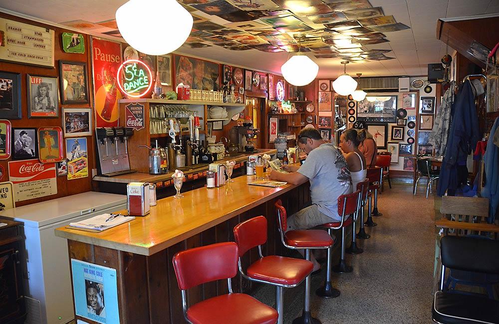 greunkes-restaurant-1
